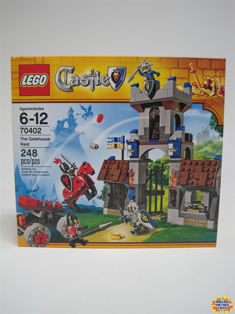 2013 Lego Set 70402 The Gatehouse Raid 1a